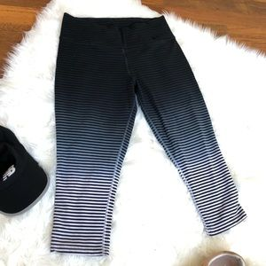Nike dri fit medium cropped workout pants ombre